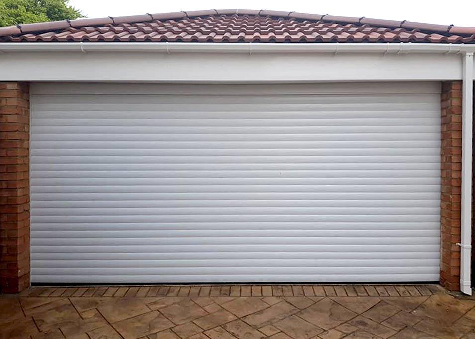 Ролетна гаражна врата с термоизолация