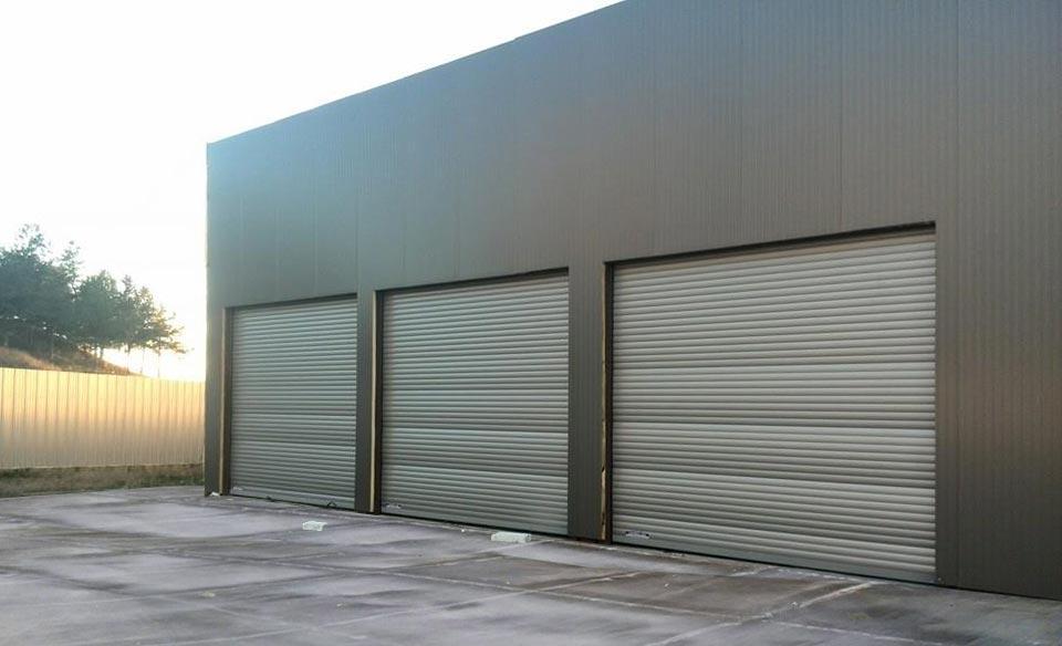 Индустриални ролетни врати с термоизолация