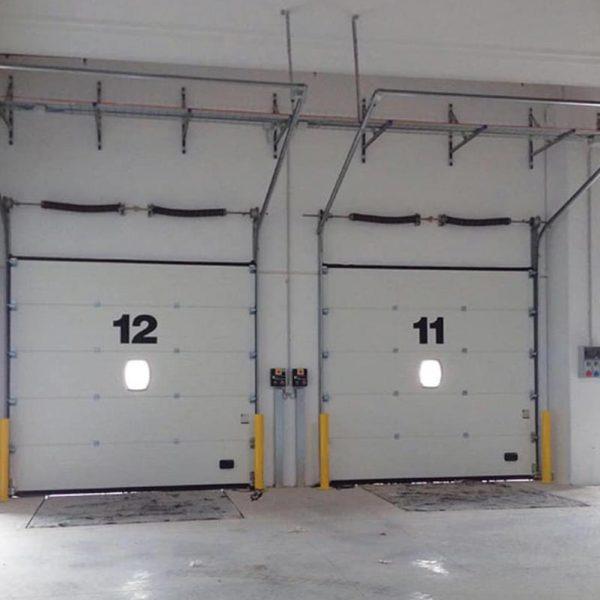 Секционни индустриални врати